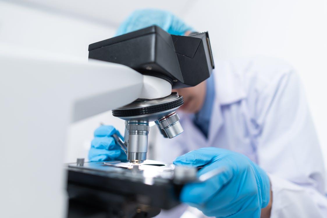 test paternité microscope medecin